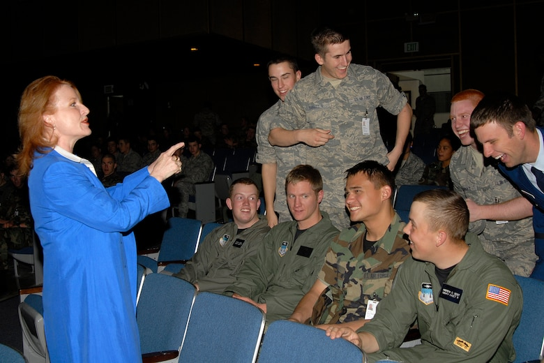 Shawna Schuh addresses U.S. Air Force Academy cadets during her recent visit to the Academy as part of its cadet social decorum program. (U.S. Air Force photo/Rachel Boettcher)