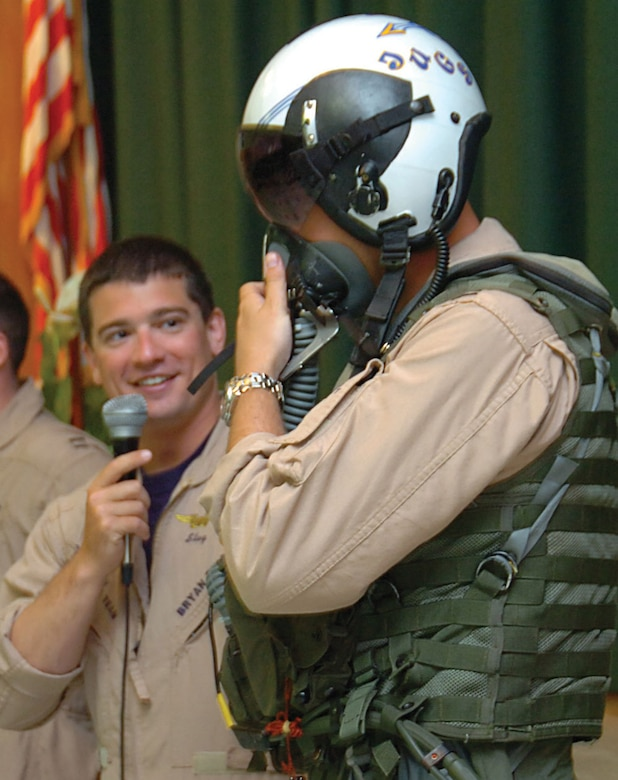 daab01dbd0b Navy fighter pilots reach out to youths in the community   Joint ...