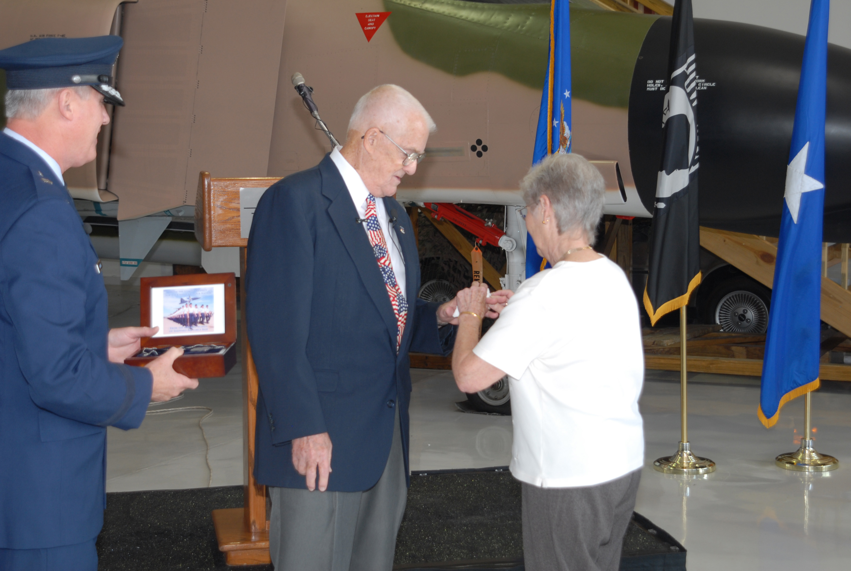 Ring Returned To Vietnam Pow 44 Years After Imprisonment