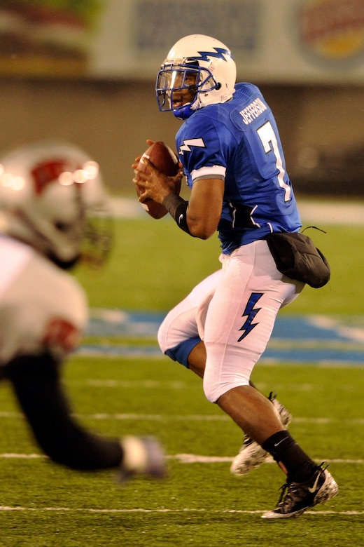 Falcons sophomore quarterback Tim Jefferson drops back to pass during the Air Force-UNLV game at Falcon Stadium Nov. 14, 2009. Jefferson was 8-of-13 for 126 yards passing and rushed for 63 yards on eight carries. (U.S. Air Force photo/Bill Evans)