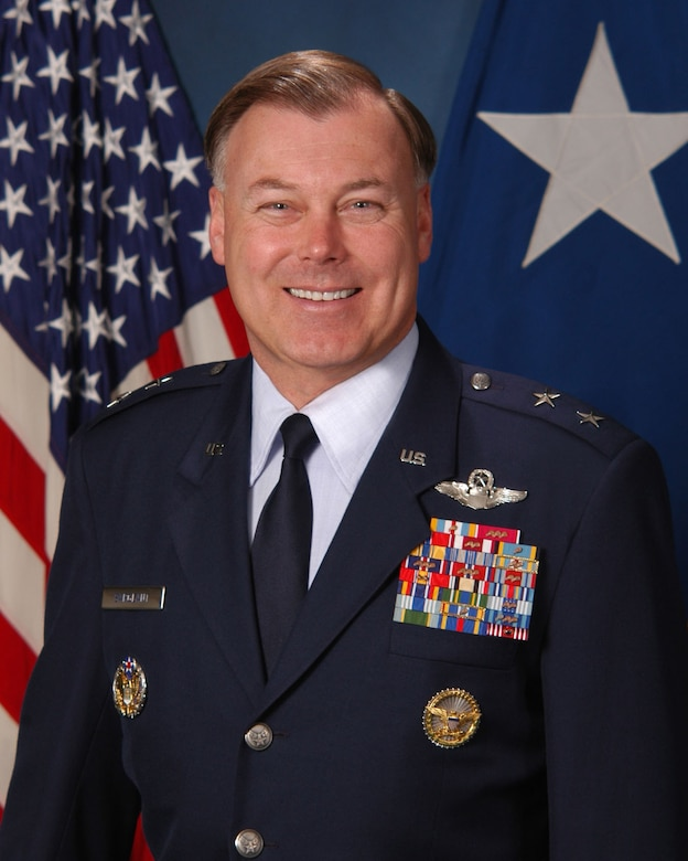 Maj. Gen. Stephen Sargeant, Air Force Operational Test and Evaluation Center Commander, received the 2009 General Thomas D. White U.S. Air Force Space Trophy.