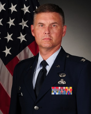 Col. Adam Dickerson, 314th Maintenance Group commander