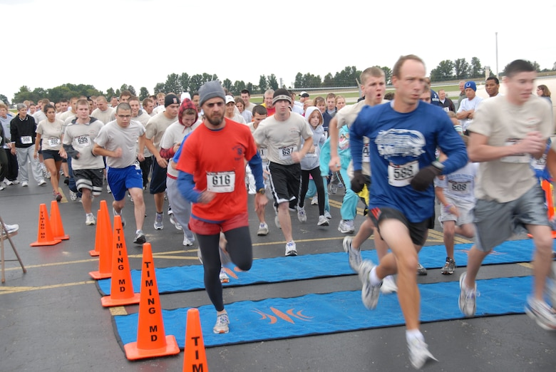 And they're off.......135 runners participated in the fall Racer Run in October.  Photo by TSgt Michael Kellams