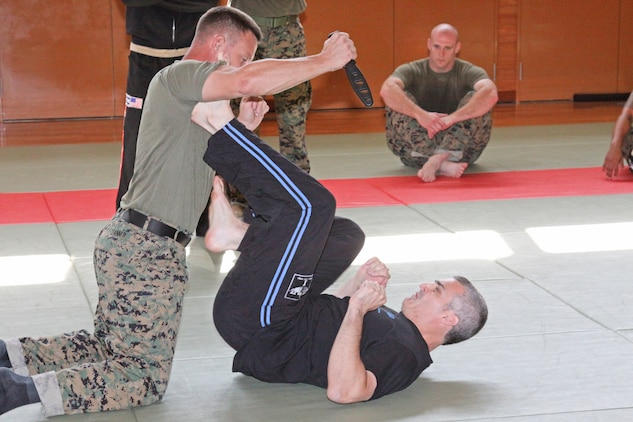 Israeli Krav Maga: Marines learn new close combat techniques