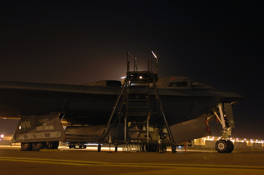 WHITEMAN AIR FORCE BASE, Mo. - Members of the 509th Aircraft Maintenance Squadron, prepare a B-2 Spirit, to be towed, August 27. The B-2 Spirit is scheduled for a wash, every 180 days and takes one to two days to complete. (U.S. Air Force photo/Senior Airman Kenny Holston)