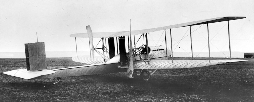 Wright Model F in 1914. Even at this late date, Wright aircraft still used two counter-rotating, bent-end, pusher propellers. (U.S. Air Force photo)