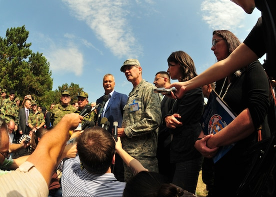 Members of the Serbian media interview Dragan Sutanovac, Republic of Serbia minister of defense, and Maj. Gen. Robert Bailey, Air National Guard assistant to the commander, U.S. Air Forces in Europe, at the MEDCEUR 09 distinguished visitors' day in Nis, Serbia, Sept. 10, 2009.  MEDCEUR is an annual joint and combined medical exercise with a focus on major disaster response and mass casualty situations.  More than 700 exercise participants from 15 countries are taking part in this year's exercise, which is hosted by Serbia. (U.S. Air Force photo by Staff Sgt. Markus M. Maier)