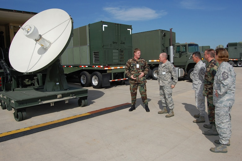 Command Chief Master Sergeant of the Air National Guard Chris Muncy tours the 137th Space Warning Squadron?s equipment and facilities at Greeley Air National Guard Station in Colorado Sept. 9, 2009. Muncy made the visit to learn about the pulse of the ANG. (Official U.S. Air Force photo by Master Sgt. Rochell Smith, Colorado Air National Guard/Released)