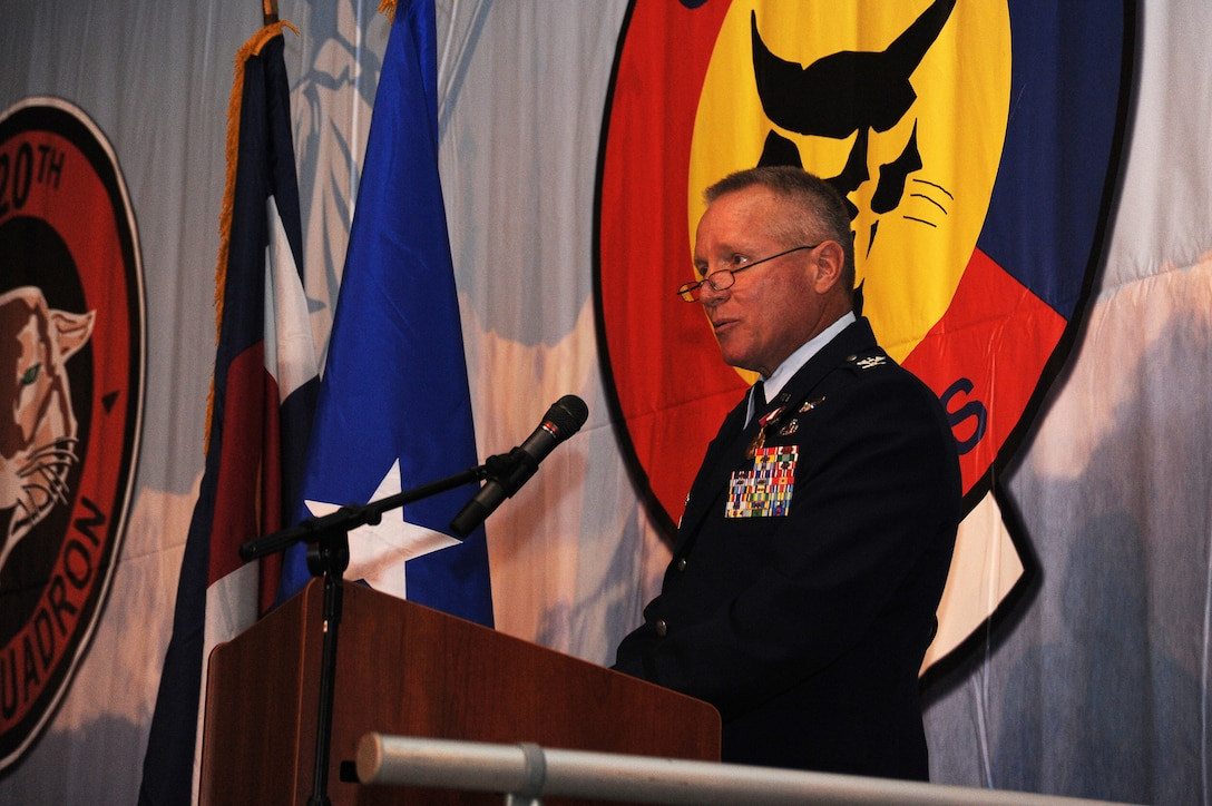 Colonel Thomas Shetter, Commander of the 140th Maintenance Group, speaks to the members of the 140th Wing after being promoted to Colonel September 19, 2009 Buckley Air Force Base, CO.  Shetter is being promoted to the rank of Colonel after 24 years of dedicated leadership. (U.S. Air Force photo by Tech Sgt. Wolfram M. Stumpf, Colorado Air National Guard/Released)