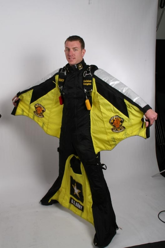 U s army parachute team the golden knights wing suit modeled by ssg ben borger - Military wingsuit ...