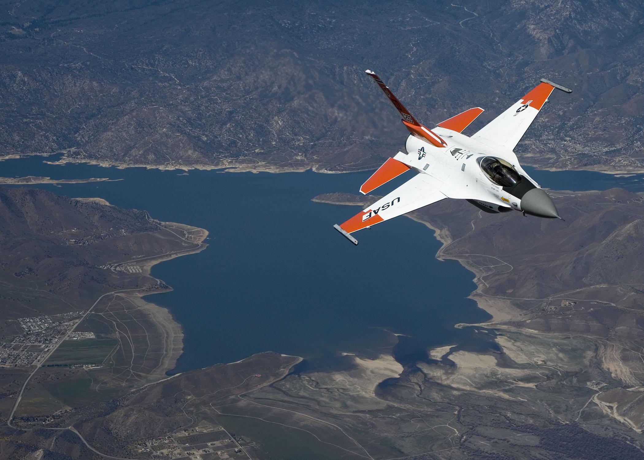 KC-135 testing aims at fueling efficiency, cost savings > U S  Air