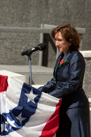 Jane Coombs, deputy chief of mission for the New Zealand Embassy in the U.S., thanks U.S. Marine Corps Forces, Pacific for its support of April 25 at the National Memorial Cemetery of the Pacific (Punchbowl) Hawaii, during the 95th Annual Australian and New Zealand Army Corps Day Commemoration. ANZAC Day is observed in memory of the ANZAC's who have served and died in all wars.