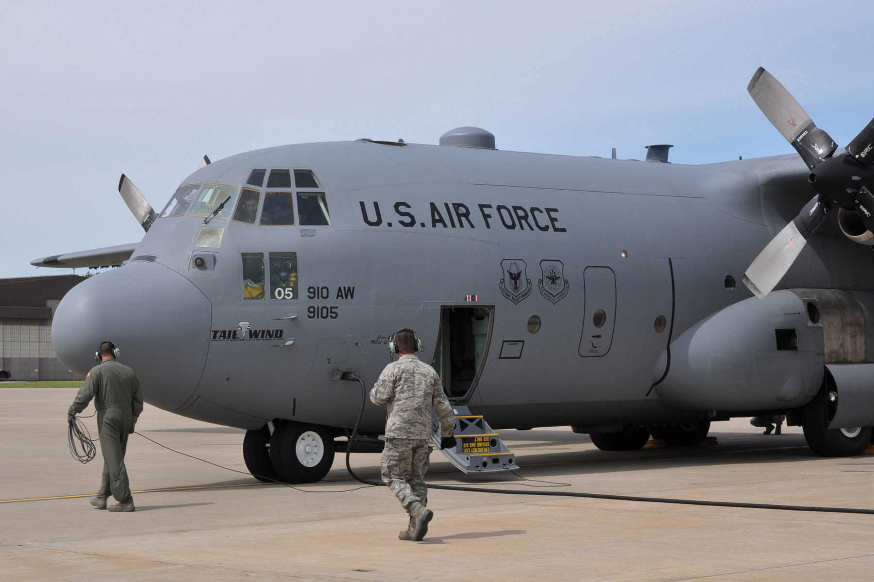 Air Force C 130s Navy Equipment Dispatched To Support Oil