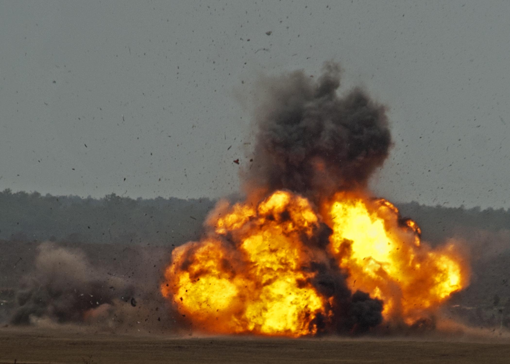 Звуки взрывов снарядов скачать
