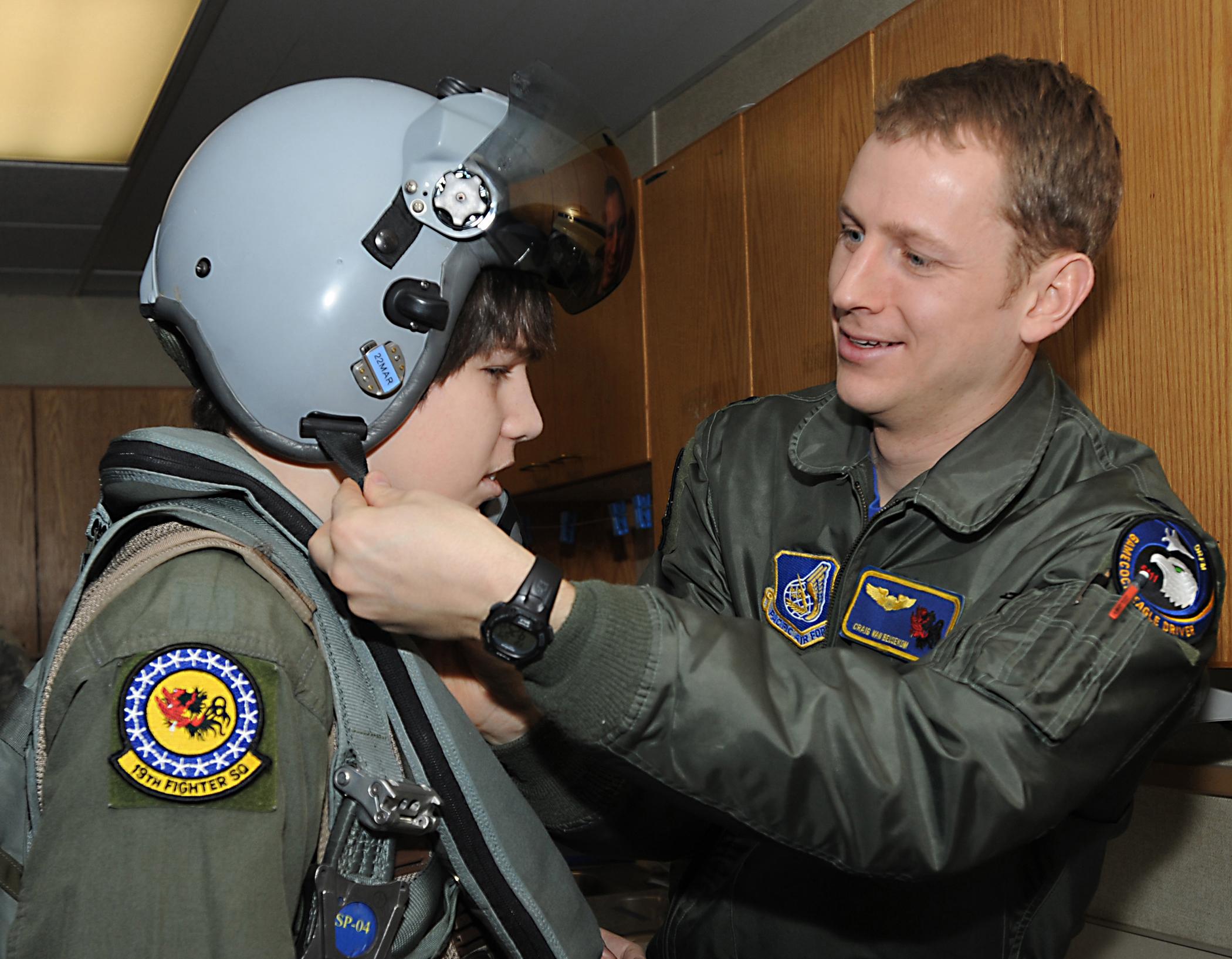 Elmendorf hosts honorary 'pilot for a day' > Joint Base Elmendorf