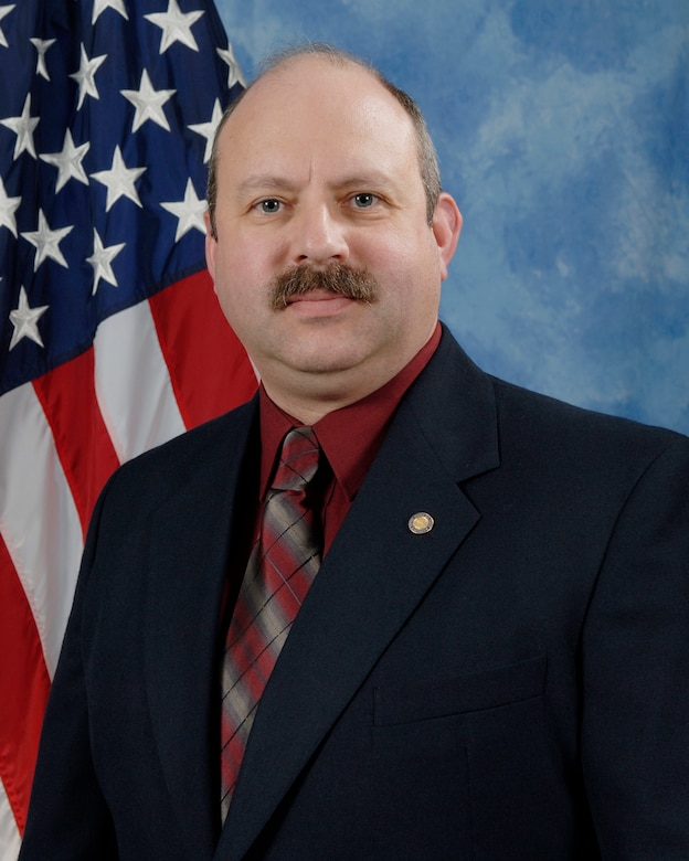 Bryn Crandell, 312th Training Squadron, is the 2009 Civilian Category II of the Year for the 17th Training Wing, Goodfellow AFB, Texas. The annual awards program recognizes both civilians and members in 16 categories of the Air Force, Army, Navy and Marines who are assigned to the wing, for their significant contributions to the 17 TRW, the community and mission. (U.S. Air Force photo/ Lou Czarnecki)