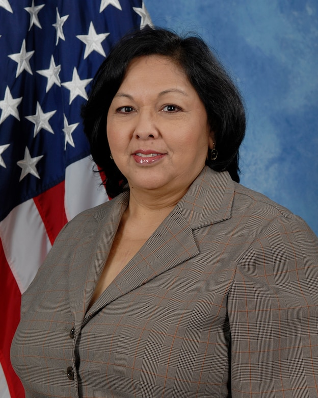 Janie Reyes, 17th Training Support Squadron is the 2009 Civilian Category I of the Year for the 17th Training Wing, Goodfellow AFB, Texas. The annual awards program recognizes both civilians and members in 16 categories of the Air Force, Army, Navy and Marines who are assigned to the wing, for their significant contributions to the 17 TRW, the community and mission. (U.S. Air Force photo/ Lou Czarnecki)