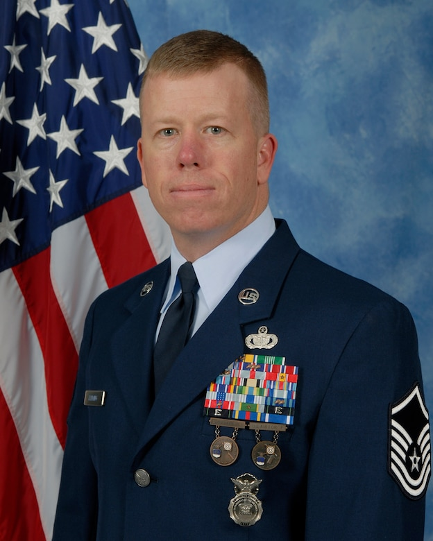 Master Sgt. Anthony Fleming, 17th Security Forces Squadron is the 2009 Senior Noncommissioned Officer of the Year for the 17th Training Wing, Goodfellow AFB, Texas. The annual awards program recognizes both civilians and members in 16 categories of the Air Force, Army, Navy and Marines who are assigned to the wing, for their significant contributions to the 17 TRW, the community and mission. (U.S. Air Force photo/ Lou Czarnecki)