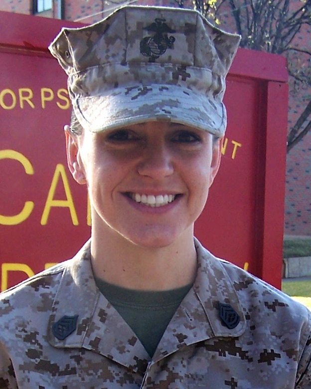 Gunnery Sgt. Sara Clark, Marine Corp Detachement, is the 2009 Marine Staff NCO of the year for the 17th Training Wing, Goodfellow AFB, Texas. The annual awards program recognizes both civilians and members in 16 categories of the Air Force, Army, Navy and Marines who are assigned to the wing, for their significant contributions to the 17 TRW, the community and mission. (U.S. Air Force photo/ Lou Czarnecki)