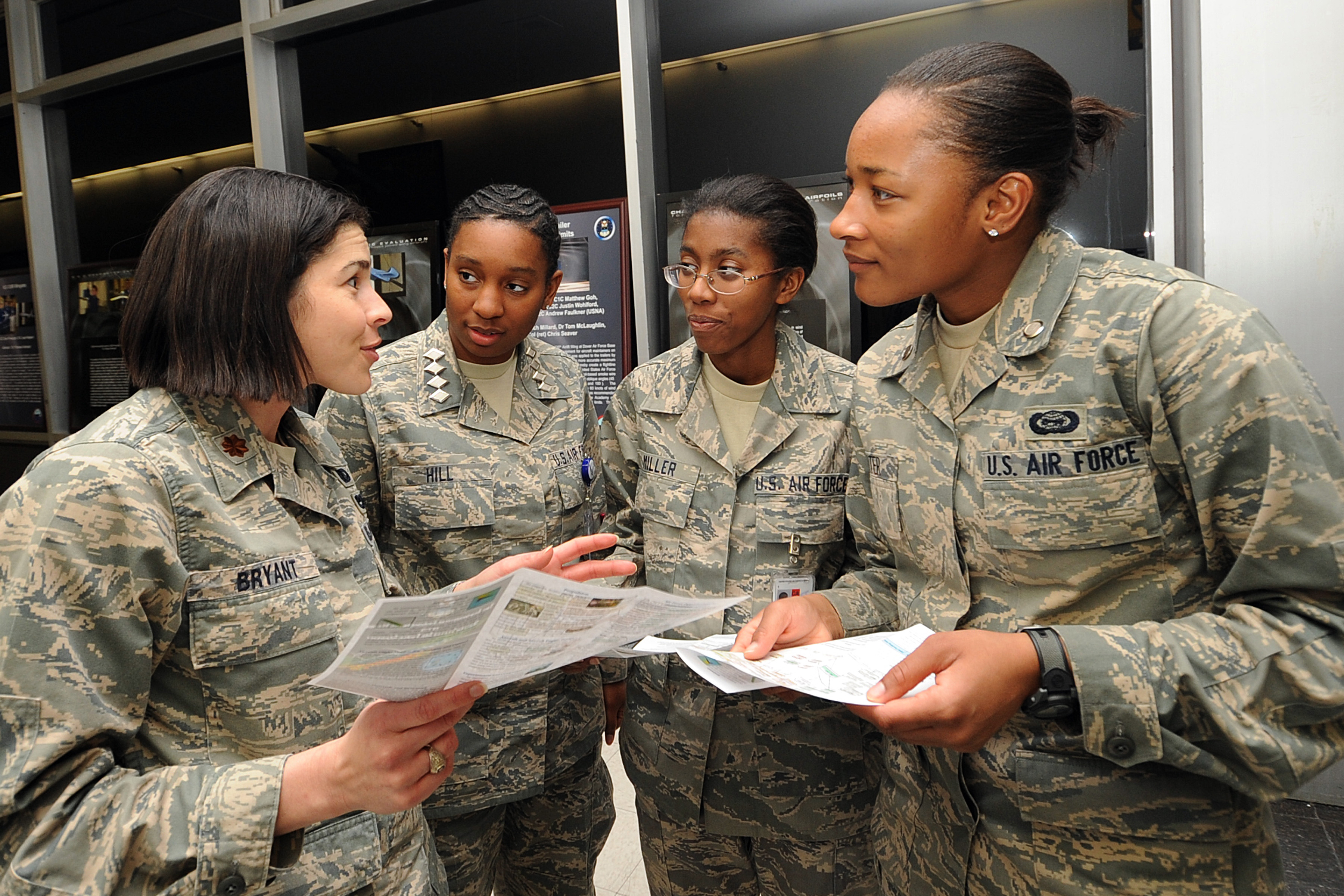 Cadets Consider Career Options During Majors Night