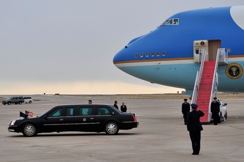 BUCKLEY AIR FORCE BASE, Colo. -- Col. Clint Crosier, 460th Space Wing commander, salutes President Barack Obama as he departs the flightline Feb. 18. President Obama is attending a fund-raiser in Denver this week. (U.S. Air Force photo by Senior Airman Kathrine McDowell)