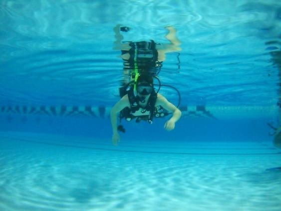 down under smp marines learn basics of scuba diving. Black Bedroom Furniture Sets. Home Design Ideas