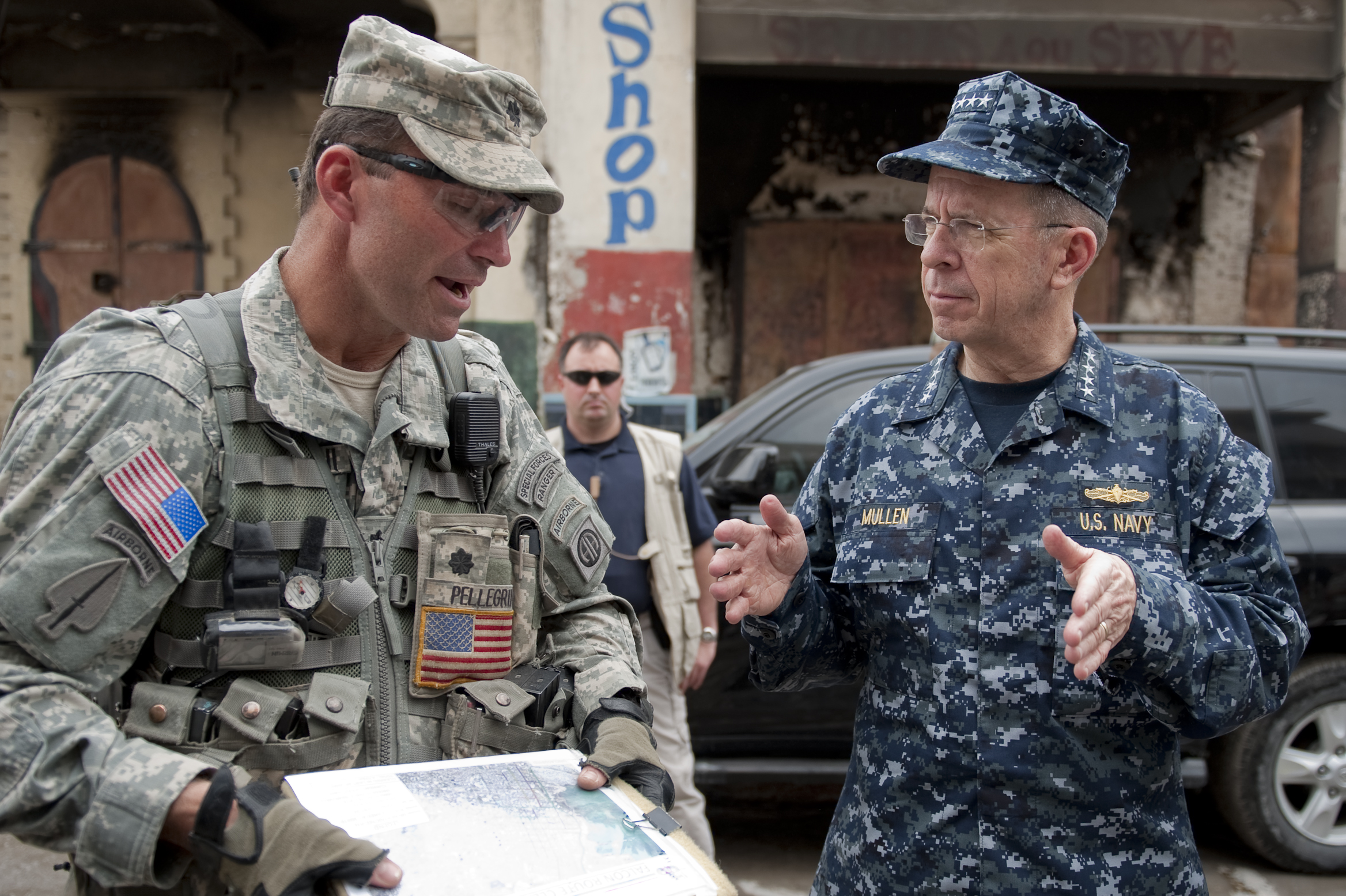 U S  Army Lt  Col  Keith Pellegro, left, an 82nd Airborne Division