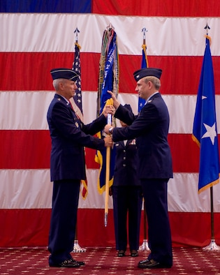 barksdale afb hindu personals Barksdale air force base, la -- col steven basham (right), passes the 2d bomb wing guidon to maj gen floyd carpenter, eighth air force commander, to signify his relinquishment of command.