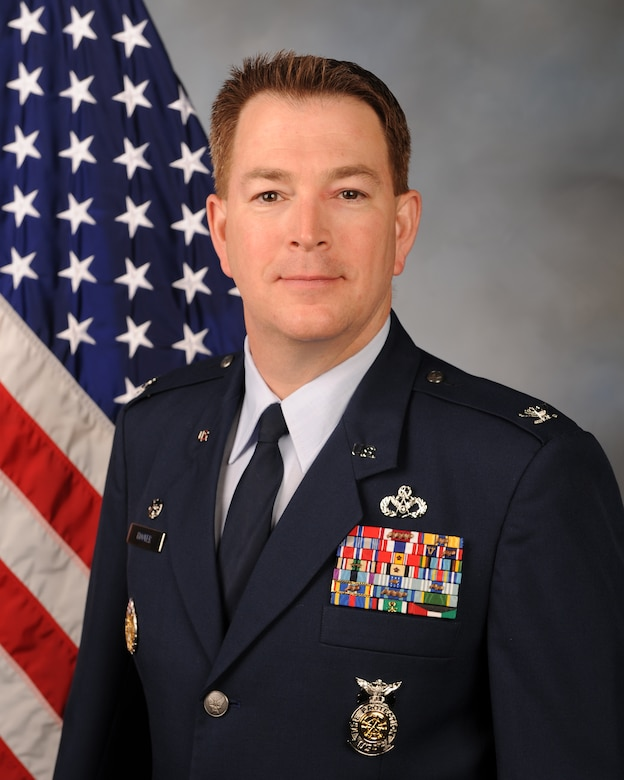 Col. Crinley Hoover, 2d Mission Support Group commander