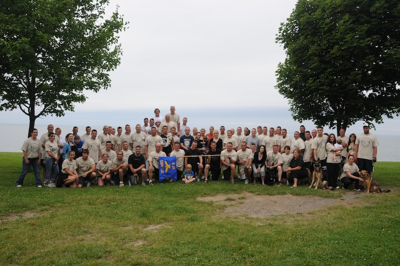 107th AW Security Forces members participated in the second annual 5K to the Fort. The run honored former 107th Security Forces member Master Sgt. Andy Hoelzl who passes away. Each year the run honors a different 107th Security Forces member that has passed away. (U.S. Air Force photo/Staff Sgt. Peter Dean)