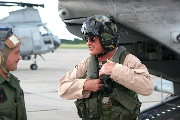 Major General Raymond C. Fox completes his final flight as commanding general of 1st Marine Aircraft Wing, with Marine Medium Helicopter Squadron 262 Monday.