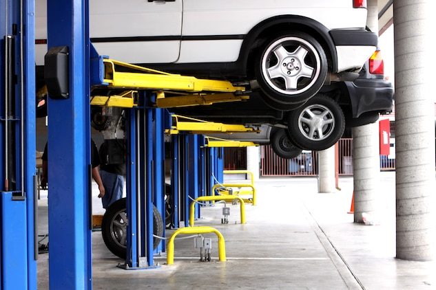Resultado de imagen de how to fix car lift