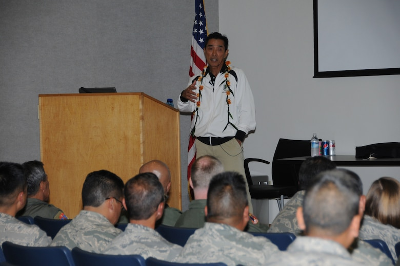 UH volleyball coach, Dave Shoji speaks to members of the 204th AirliftSquadron Feb 3, 2010.(U.S. Air Force photo/Master Sgt. Kristen Stanley.)
