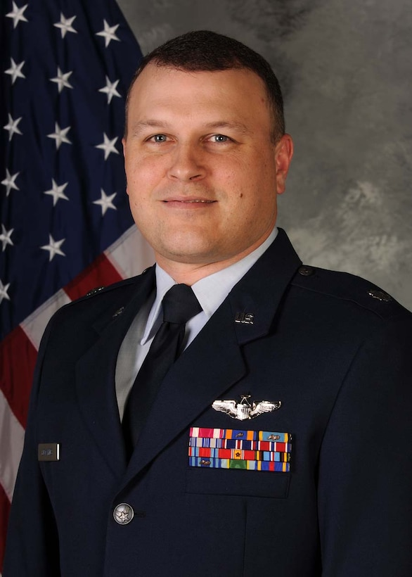 Lt. Col. Alan Edwards from the Air Force Operational Test and Evaluation Center's Detachment 6 at Nellis AFB, Nev., is the 2009 National Defense Industrial Association Military Tester of the Year for AFOTEC.