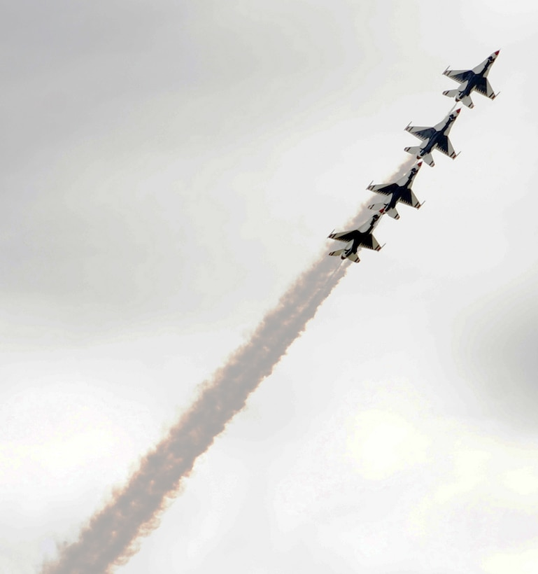 The U.S. Air Force Thunderbirds perform aerial stunts for spectators during the Dyess Big Country Air Fest May 1, 2010, at Dyess Air Force Base, Texas. (U.S. Air Force photo/Airman 1st Class Brittney Prescott)