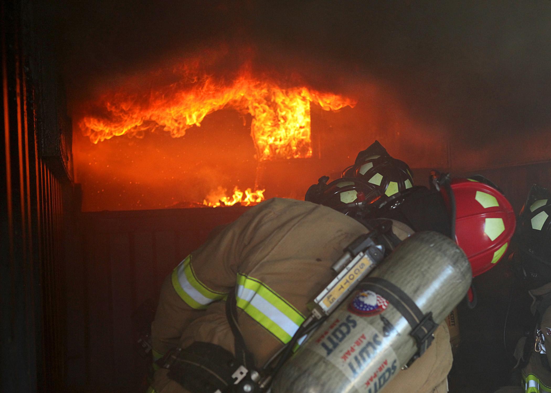 jbsa firemen take flashover training  u0026gt  joint base san antonio  u0026gt  news
