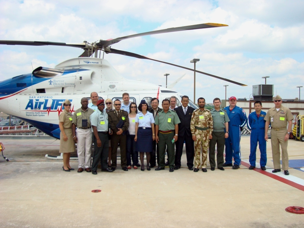 DIMO Students Learn About Civilian Hospital Administration