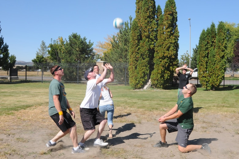 Members and 173rd Fighter Wing play a game of volleyball during the Wing End of Year celebration at Kingsley Field, Ore. Oct. 1, 2010.  (RELEASED, U.S. Air Force Photo by Tech. Sgt. Jefferson Thompson)