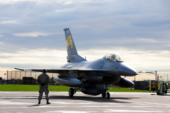 SSgt Charles Thurber stands by as the last Block 25 F-16 prepares for it's final departure flight on Sept. 14, 2010 at the 148th Fighter Wing Air National Guard Base in Duluth, Minn.  The 148th FW has transitioned to the Block 50 F-16 and this Block 25 was the last to be replaced.  (U.S. Air Force photo by SMSgt Ralph Kapustka)