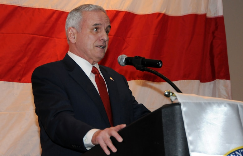 Mark Dayton, Governor of Minnesota shares remarks with those attending the Minnesota Employer Support for the Guard and Reserve (ESGR) banquet held in Oakdale, Minn.  Governor Dayton was at the event to thank the employers of Guard and Reserve members.  (U.S. Air Force photo by Master Sgt. Ralph J. Kapustka)