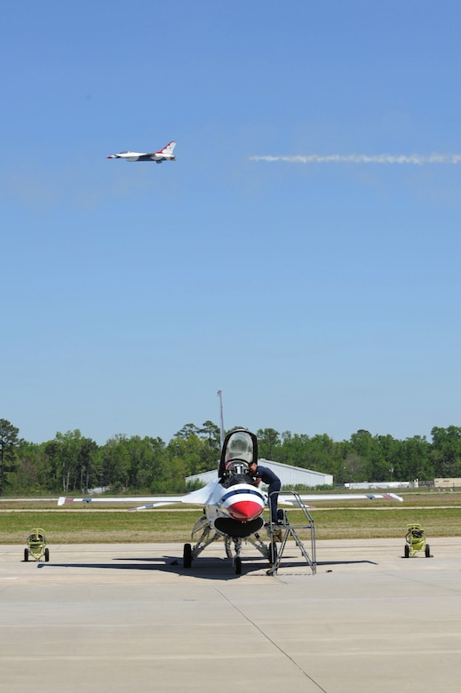 The U.S. Air Force Thunderbirds arrive at Joint Base Charleston, S.C., April 6. The Thunderbirds are scheduled to perform Saturday, April 9 during the 2011 Air Expo along with the U.S. Army Special Operations Black Daggers Jump team, Tora! Tora! Tora!, the GEICO Skytypers, a B-25 Bomber, Air Combat Command demonstrations teams and much more.