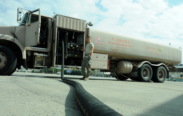 Mobility Airmen among team to 'shatter' deployed fuels