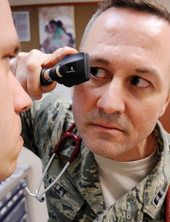 Capt. Jon Farley performs a check-up on a patient April 11, 2011, Eielson Air Force Base, Alaska. Captain Farley is a physician's assistant assigned to the 354th Medical Operations Squadron. (U.S. Air Force photo/Airman 1st Class Laura Goodgame)