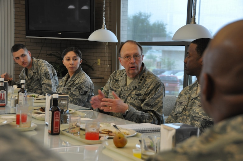 Lt. Gen. Charles Stenner, Jr., commander of Air Force Reserve Command, headquartered at Robins Air Force Base, Ga., had lunch with 16 Airmen from 10th Air Force and the 301st Fighter Wing, April 21 at Moreland Hall Dining Facility, Naval Air Station Fort Worth Joint Reserve Base, Texas. General Stenner's visit was part of his Mid-America tour that included stops at several Air Force bases in the Midwest and Southwest U.S. (U.S. Air Force photo/SrA Melissa Harvey)