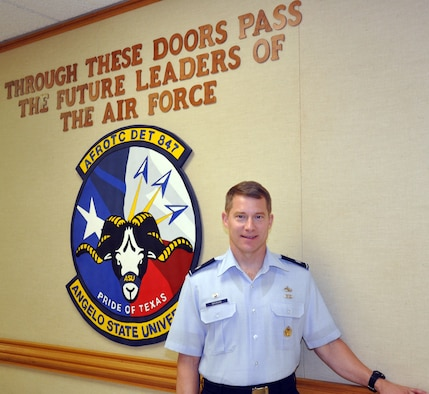 SAN ANGELO, Texas -- Lt. Col. Stephen W. Magnan, an intelligence officer, took the reigns of Angelo State University ROTC Detachment 847 this summer.  Magnan received his commission through ASU ROTC 19 years ago.  (U.S. Air Force photo/Connie Hempel)