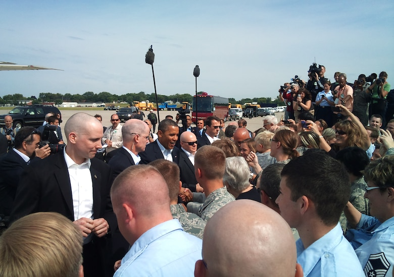 MINNEAPOLIS/ST. PAUL INTERNATIONAL AIRPORT –President Barrack Obama says hello to members of the 133rd Airlift Wing and invited guests along with as he arrived here to start a three-day bus tour through Minn., Iowa, and Ill. (USAF official photo by Major Ann Todd)