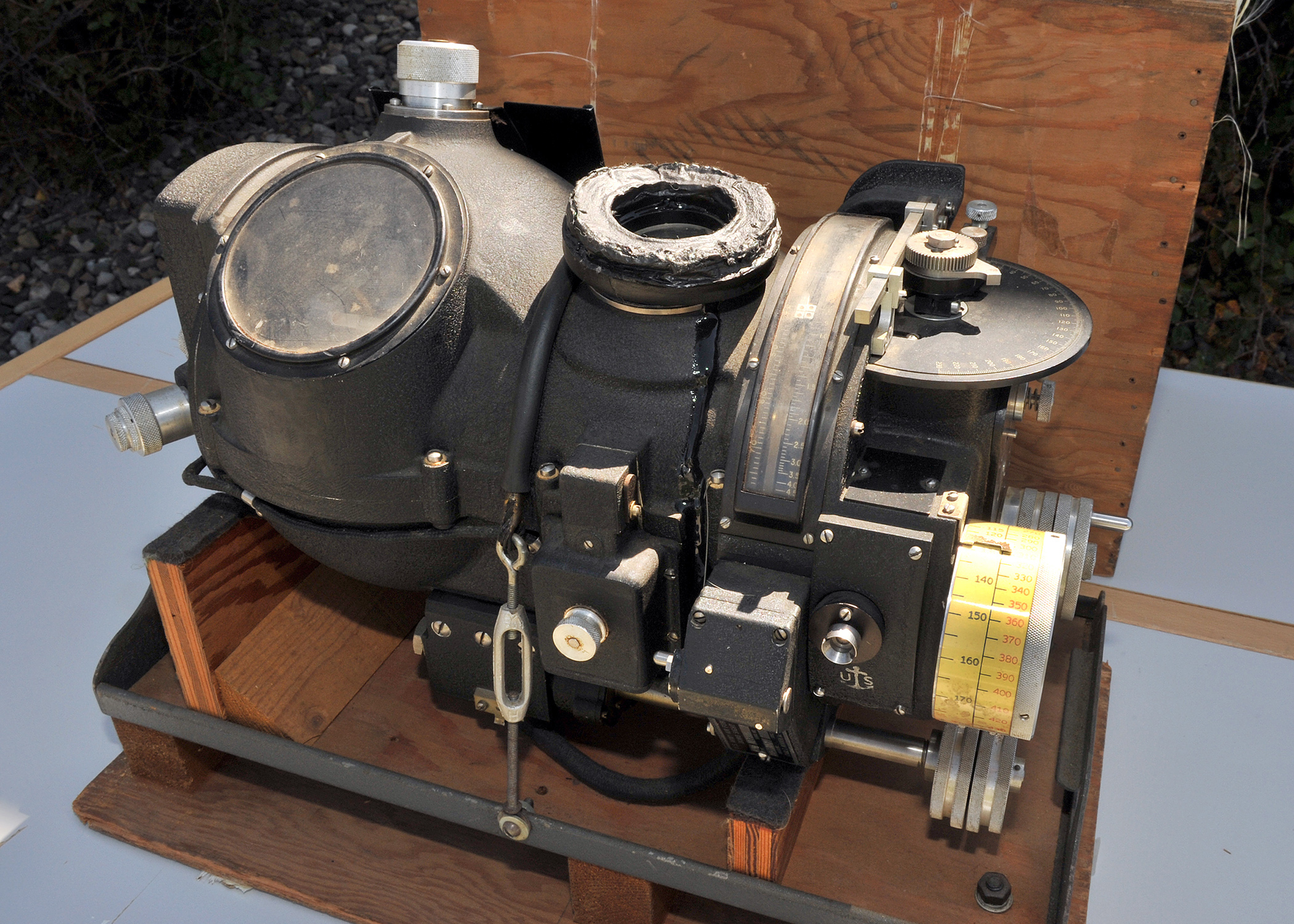 the norden bombsight Master storyteller malcolm gladwell tells the tale of the norden bombsight, a groundbreaking piece of world war ii technology with a deepl.