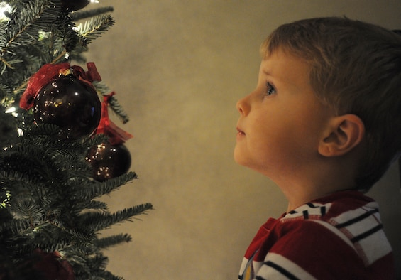 Commentary: Thoughts from the heart with family at Christmas. (U.S. Air Force photo/Staff Sgt. Shane Ellis)