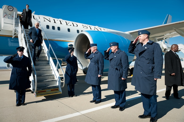 KENTUCKY AIR NATIONAL GUARD BASE, LOUISVILLE, Ky. -- Members of the Kentucky Air National Guard greet Vice President Joe Biden as he descends the stairs of Air Force Two at the Kentucky Air Guard Base in Louisville, Ky., on Feb 11, 2011. Pictured from left to right are Brig. Gen. Mark Kraus, Kentucky's assistant adjutant general for Air; Col. Greg Nelson, commander of the 123rd Airlift Wing; and Col. Steve Bullard, the wing's vice commander. Mr. Biden was in town to speak at the University of Louisville. (U.S. Air Force by Maj. Dale Greer)