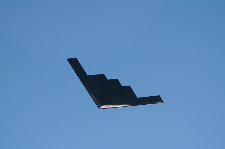 A B-2 from 509th Bomber Wing, Whiteman Air Force Base, Mo., performs the flyover above Pasadena's 122nd annual Tournament of Roses parade Jan. 1, 2011. (Photo by Joe Juarez)
